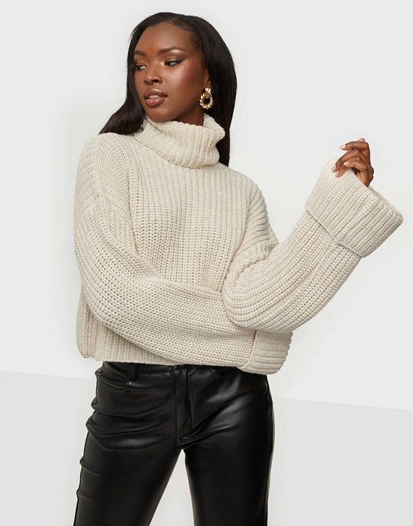 NLY Trend Cropped Roll Neck Knit