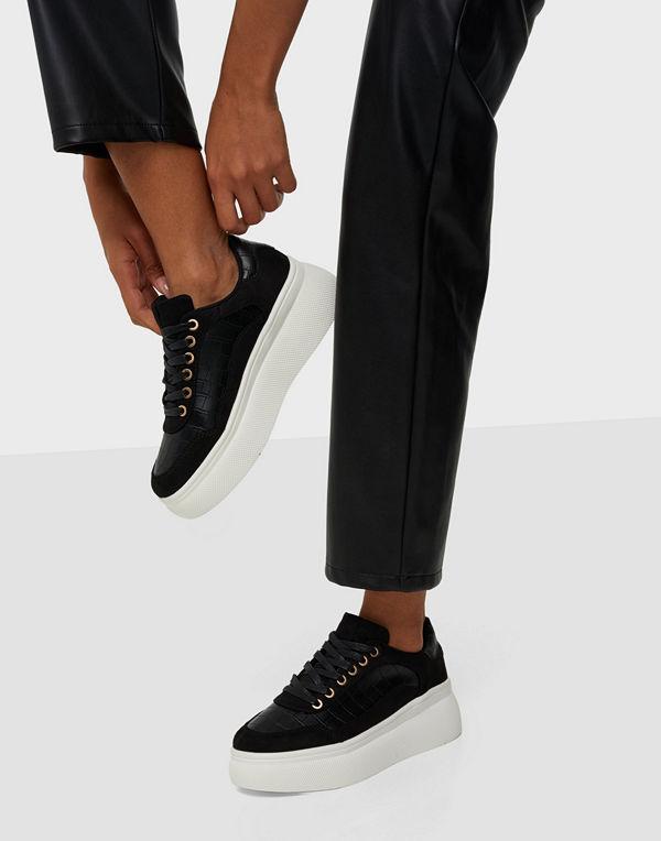 Duffy Platform Sneaker