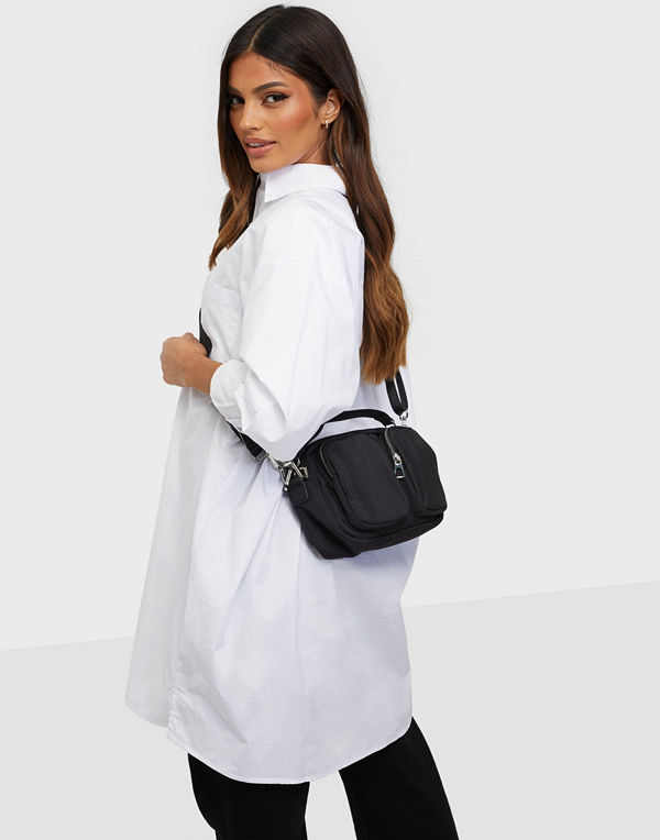 Gina Tricot svart väska Carolina bag