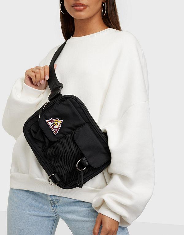 Fila svart väska SPORTY X-BODY BAG